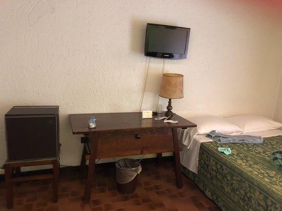 Hotel El Rustego: The mini bar