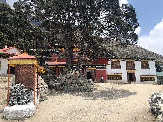 Zam Zam Trekking: temple