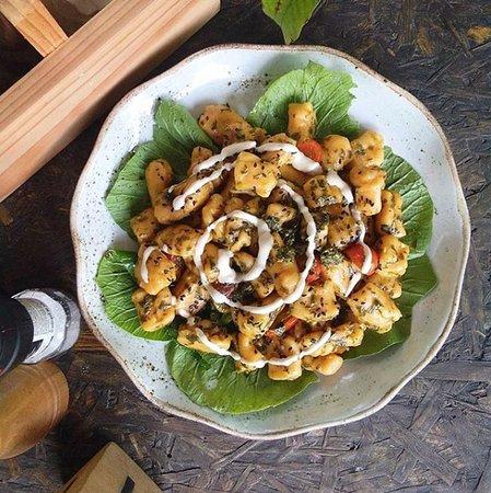 Vegan pesto gnocchis with house cashew cheese