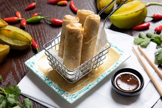 Than Nuong Restaurant & Bar : spring rolls