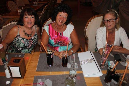 写真Wembley Restaurant & Bar枚