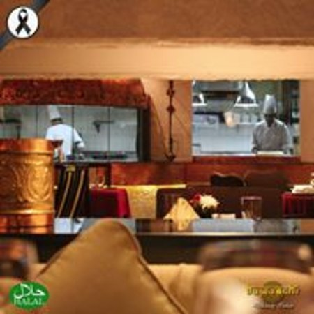 Bawarchi Indian Restaurant - Chidlom : Live Kitchen