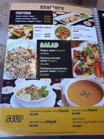 Nugget's Corner: Really nice and large menu