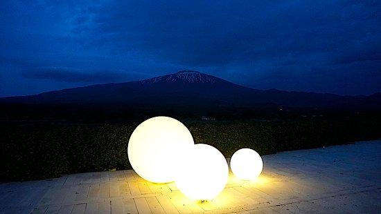 Fucina di Vulcano : Globe lights at night looking towards Mt. Etna