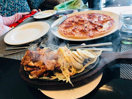 Oasis - Vivanta by Taj: Sizzler & Pizza