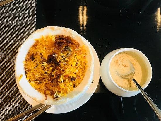 Oasis - Vivanta by Taj: Soft & Moist Chicken Biryani