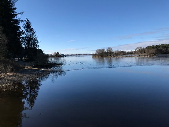 Midgardsormen: Vakkert vann og natur