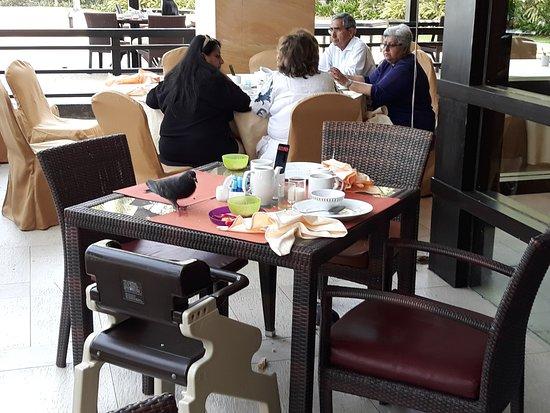 Shangri-La's Rasa Sayang Resort & Spa: We were only gone for 5 minutes