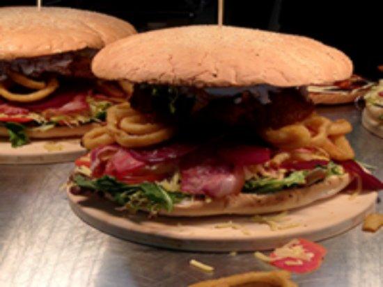 Bundalong, Australia: Our famous Bundy Burger Challenge - 3.5kg of gut-busting goodness!  Can YOU meet the challenge?