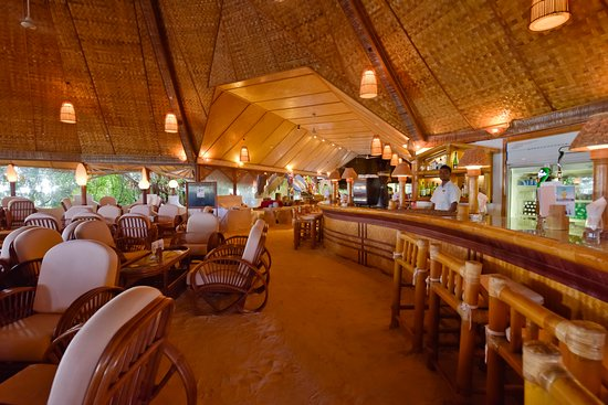 Thulhaagiri Island: The Main Bar