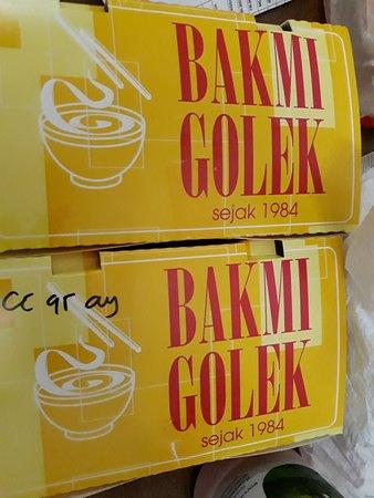 Bakmi Golek : bakmi goreng dan cap cay goreng ayam