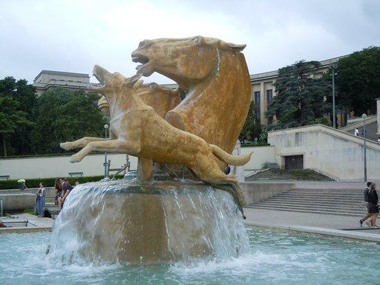 Sculptures Chevaux et Chien