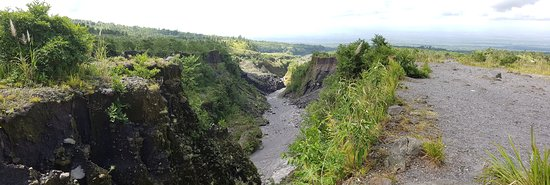 Merapi Jeep Lava Adventure: Volcanic Lava