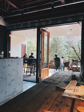 Vermillion - cafe. : カフェ内