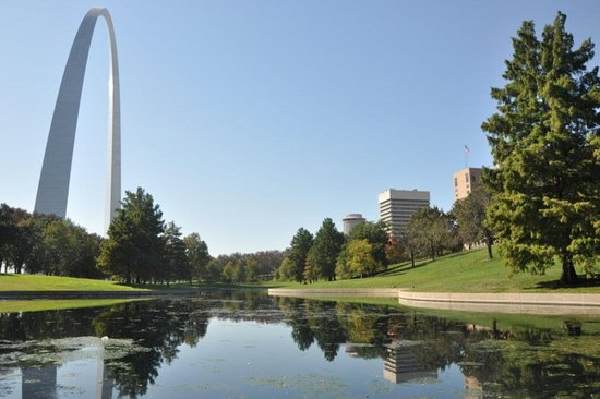 The Gateway Arch: The park near the arch