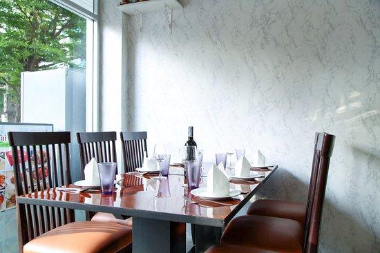 Taj Indian Dining - Narathiwas 24: Taj Indian Dining