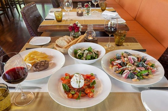 Leonardo Davinci: dinning table