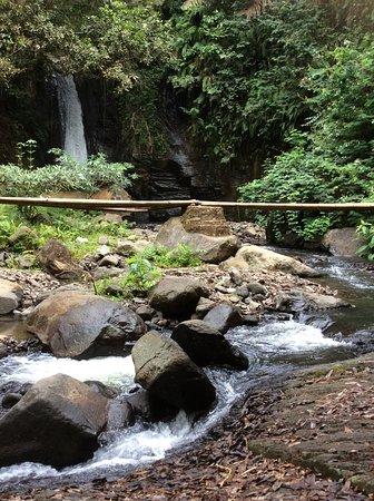 Murondao Waterfall: falls further down