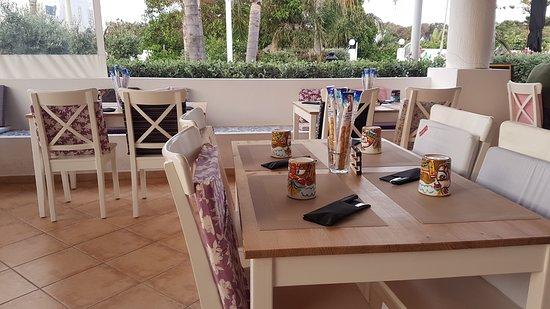MALVASIA Pane Cunzatu & Restaurant: IL LOCALE