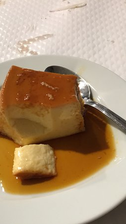 Restaurante O Castelo: Pudim flan...home-made and delicious.