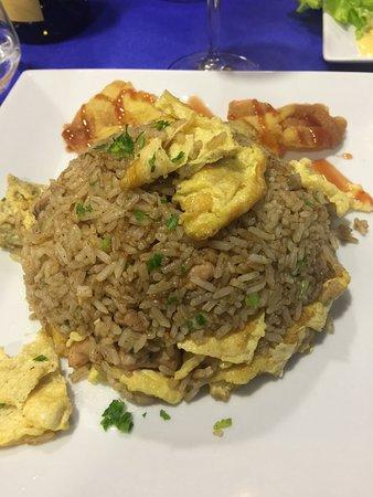 Sabor y Tradición: Delicious Peruvian chicken fried rice!