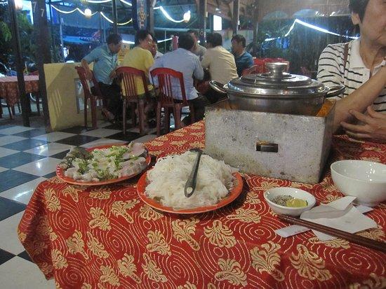 Tu Anh Restaurant : 鍋料理