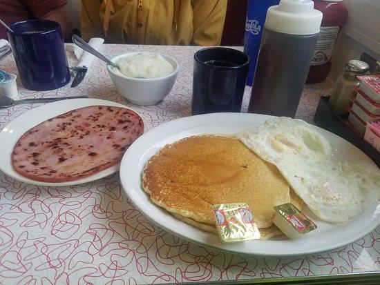 Decatur Diner: Ham Eggs and Pancakes