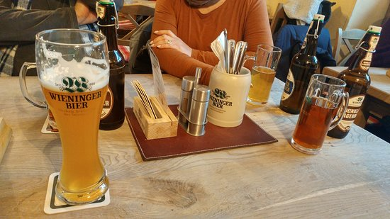 Alter Fuchs : Table and Beers