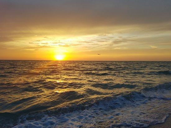 Siesta Beach: Sun is setting now