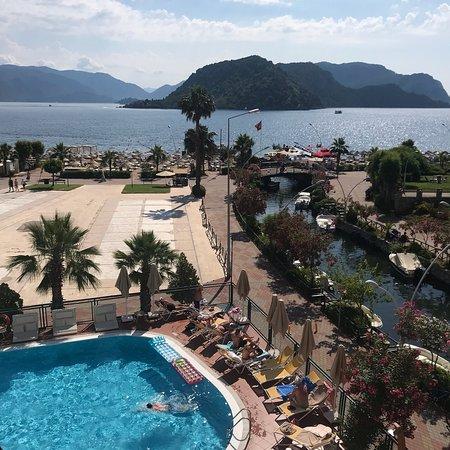 Fortuna Beach Hotel Photo