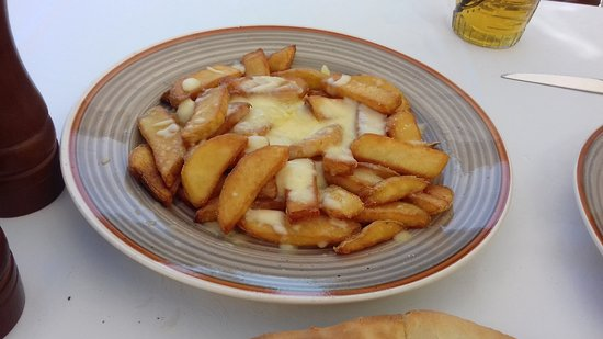 Bar Sol: Cheesy Chips