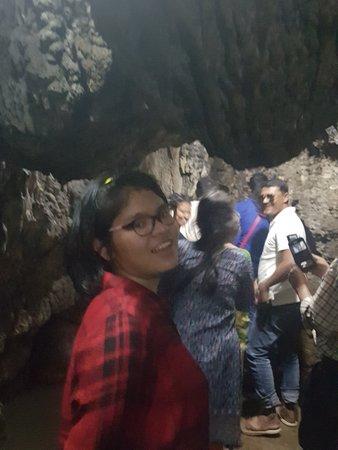 Mawsmai Cave: Thick stalagmites