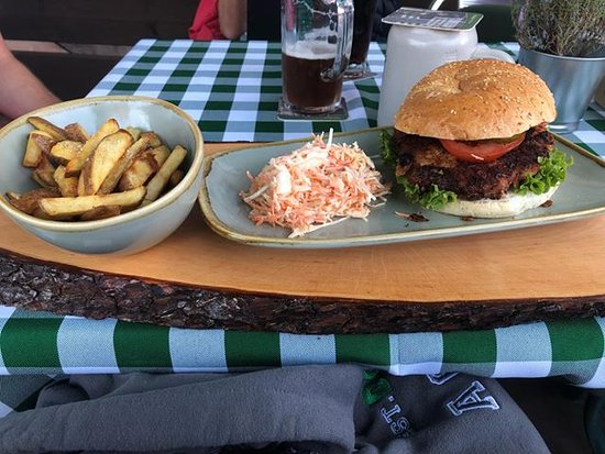 Hofstaetten, Niemcy: Unser Crispy Chicken Burger an unseren Burger-Abenden (jeden 2. und 4. Freitag im Monat)