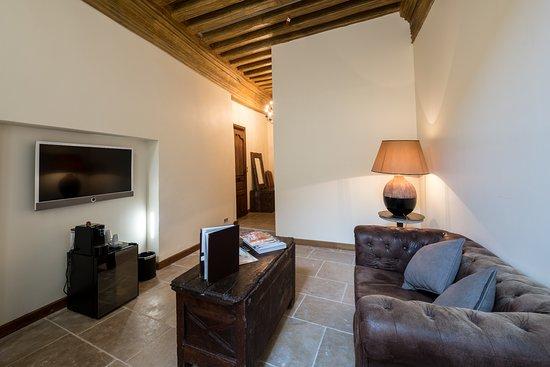 Abbaye de Maizieres: salon suite Citeaux