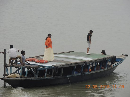 Umananda Temple: enjoyable Boat ride in the famous river