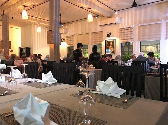 Khmer Cuisine Watbo : Aircon room