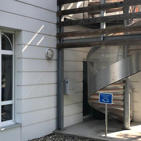 exterior photo de h tel le bugatti molsheim tripadvisor. Black Bedroom Furniture Sets. Home Design Ideas