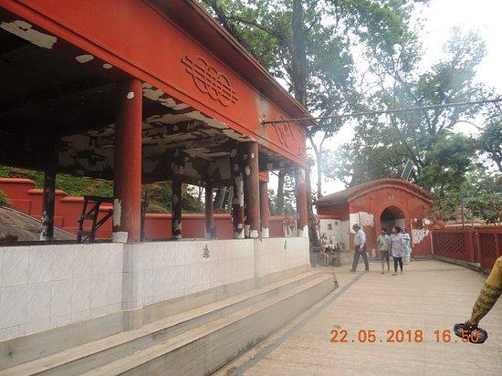Vashistha Temple: neatly maintained