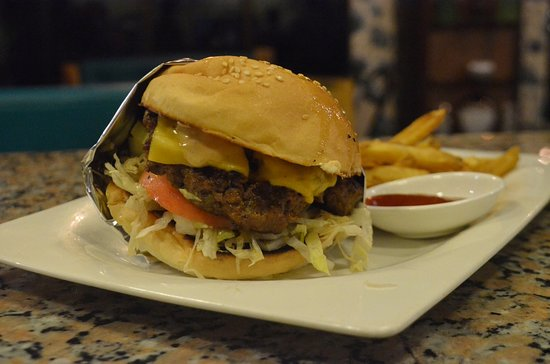 El Filo's: Best Seller Cali Burger