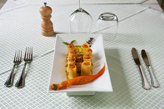Restaurant du Moulin d'Aure: Paccheri en purée de Poivrons et tomate cerise