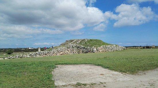 Altare Monte d'Accoddi照片