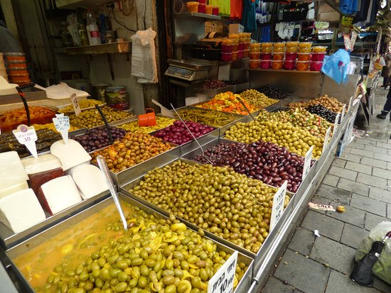 Mahane Yehuda Market: Olives of every colour and flavour