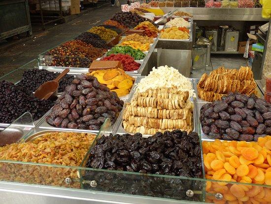 Mahane Yehuda Market: Enough dried fruits to relieve everyone!