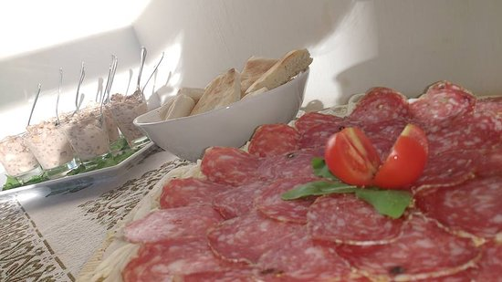 Gualdo Tadino, Włochy: Buffet Aperitivo
