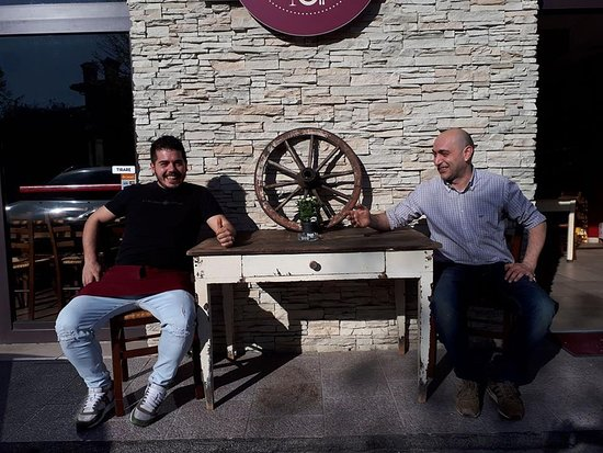 Gualdo Tadino, Włochy: Gli Osti più Eccezionali del Mondo....