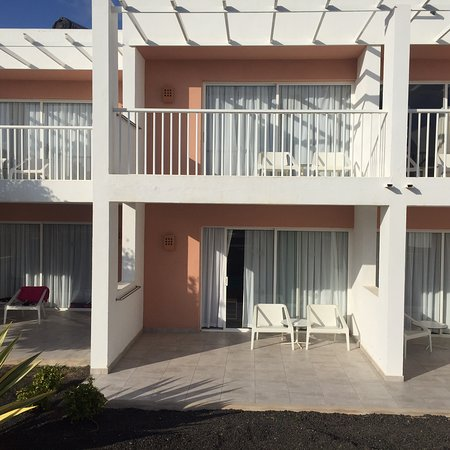LABRANDA Bahia de Lobos: Hotel and pool