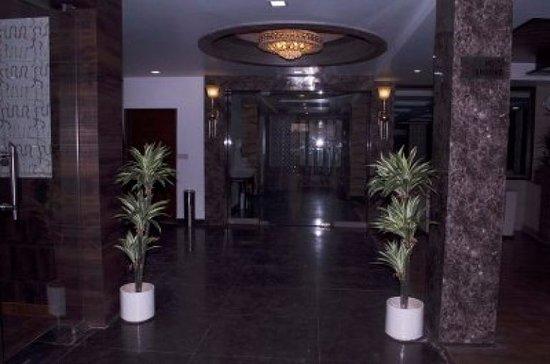 Parkside Grand Navjyoti: Reception