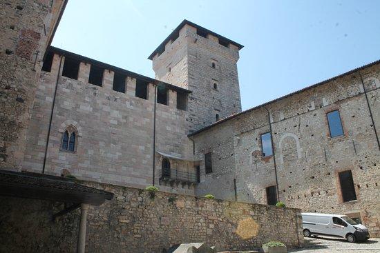 Rocca di Angera照片