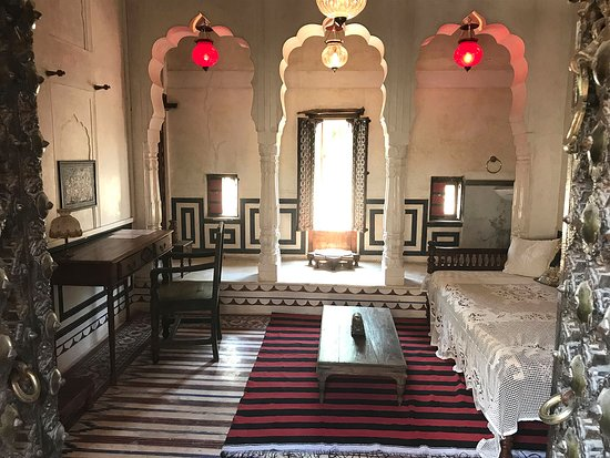 Le Prince Haveli - French Homestay: Rajput Suite - Salon