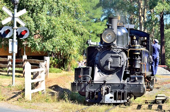 普芬比利蒸汽小火车照片